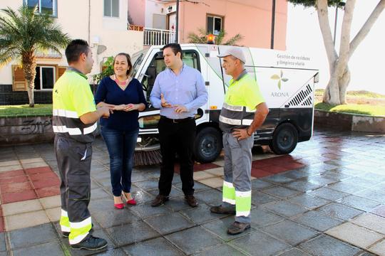 El área de Medio Ambiente del Ayuntamiento de Arona abre el debate de la concienciación de la ciudadanía sobre la necesidad de involucrarse en el cuidado de su entorno, utilizando los contenedores, usando cada uno de ellos de manera correcta, respetando l