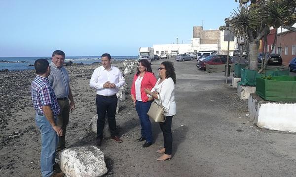 Mena pone sobre la mesa el proyecto del paseo de Las Galletas durante la visita de la ministra de Turismo a Arona
