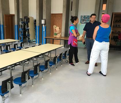 Arona culmina las obras de reforma del centro infantil de Buzanada, al que se dota de un equipo de desfibrilación