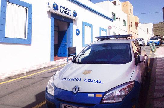 La Policía Local de Arona incauta en Parque de la Reina 24 bolsas de basura con Marihuana