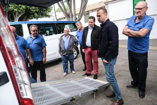 Arona incorpora seis nuevos taxis adaptados que refuerzan la accesibilidad del servicio en el municipio