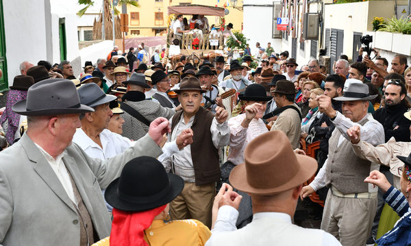 Arona renueva cuatro siglos de devoción a San Antonio Abad abriendo el calendario de romerías de Tenerife