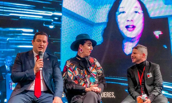 Arona vuelve a brillar en Fitur con la tercera edición de un ARN Culture & Business Pride amadrinado por Rossy de Palma