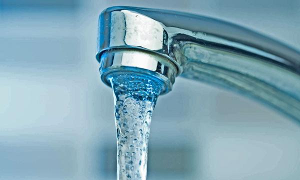 El agua del grifo de Arona, tan buena como la de botella